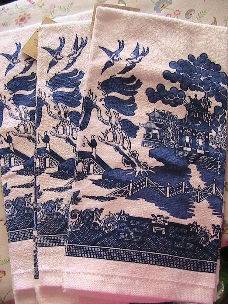 Blue Willow kitchen towels