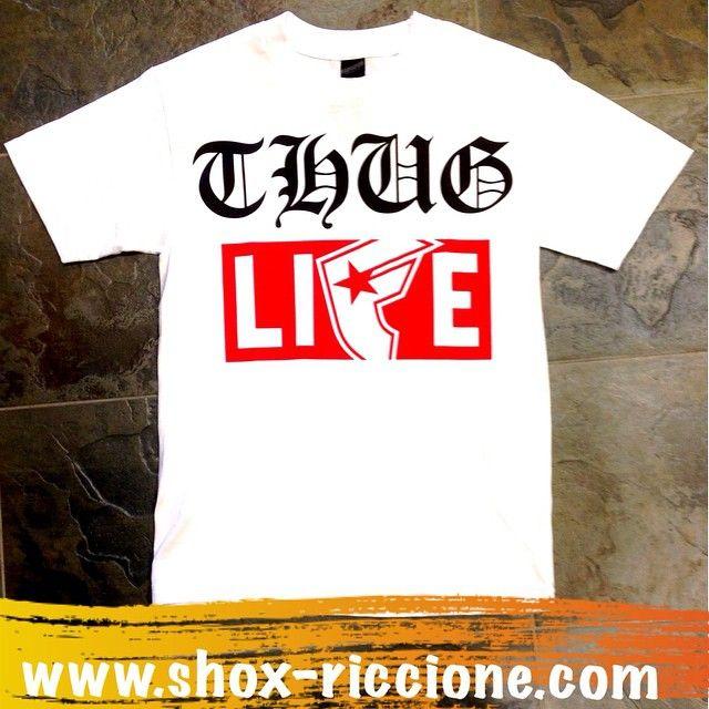 FAMOUS T-shirt THUG LIFE...solo da noi!!! venite a trovarci allo SHOX urban clothing di viale dante 251 Riccione APERTI tutti i giorni anche la DOMENICA POMERIGGIO !per info e vendita contattateci su FB: @ SHOX URBAN CLOTHING ,spedizione €5-->free for order over €50!!! #FAMOUS #thug #life #2015 #SHOX  #comevuoitu #sartoriainterna #fashion #like #fresh #streetwear #life #esclusivo #nuoviarrivi  #swag  #solodanoi  #unici #men #woman #instafashion #summer
