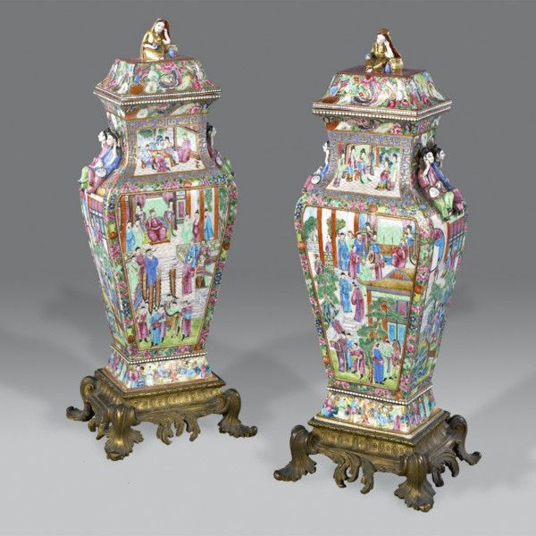 A pair of Chinese Vasesc. 1796 to 1820 China