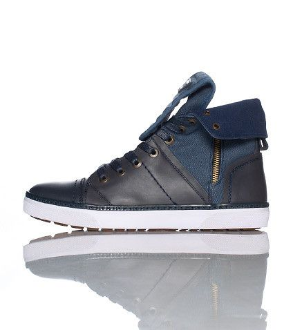 LEVI'S High top men's sneaker Zip detail on side Lace up closure Fold over  top Padded fold over tong.