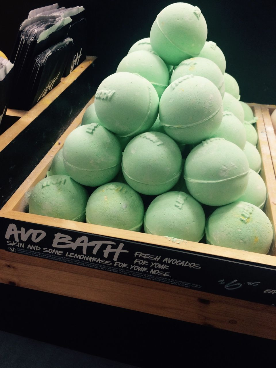 Avobomb Love This Bath Bomb Smells So Good And Make Your Bath Look Like Green Slime Would Totally Recommend It Lush Bath Bombs Lush Products Lush Bath