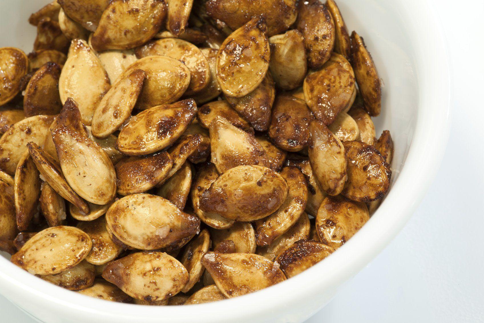 Seasonal Snacks: Roasted Pumpkin Seeds #roastingpumpkinseeds