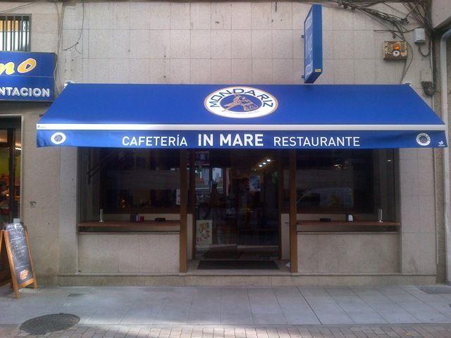 Toldo modelo arz a colocado en la cafeter a restaurante in for Toldos gomez arzua