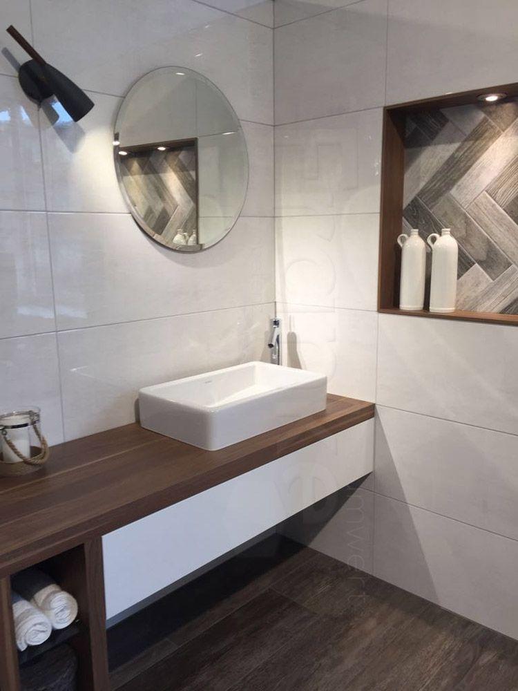Authentischer Look von wettergegerbten Holz - Fliesenserie - badezimmer neubau