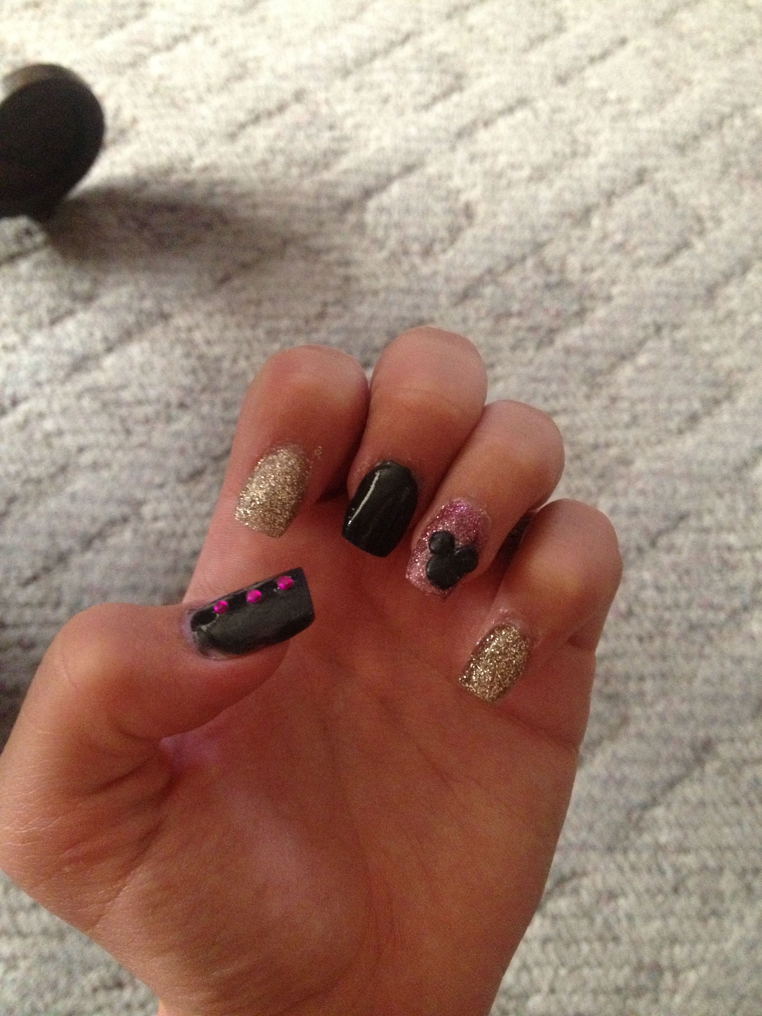 Disney acrylic nails Mickey Mouse pink gold and black | Nails ...
