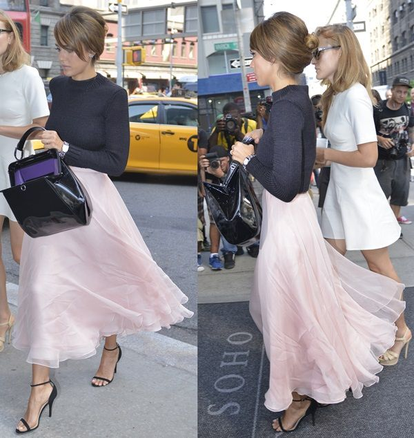How to Wear a Blush-Hued Chiffon Midi Skirt Like Jessica Alba ...
