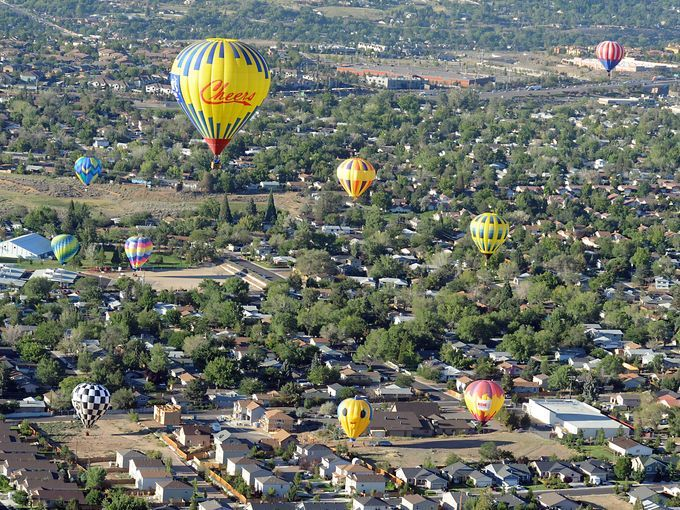 OOOH The great balloon race gets underway in Nevada