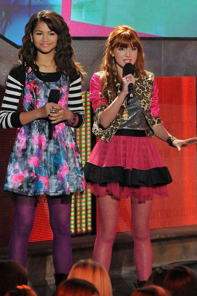 10+ Bella thorne and zendaya dress up inspirations