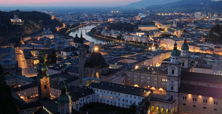 Atardecer en Salzburgo, Alemania! #VoyagePriveES #Europa #escapadas #ciudades  http://www.voyage-prive.es/