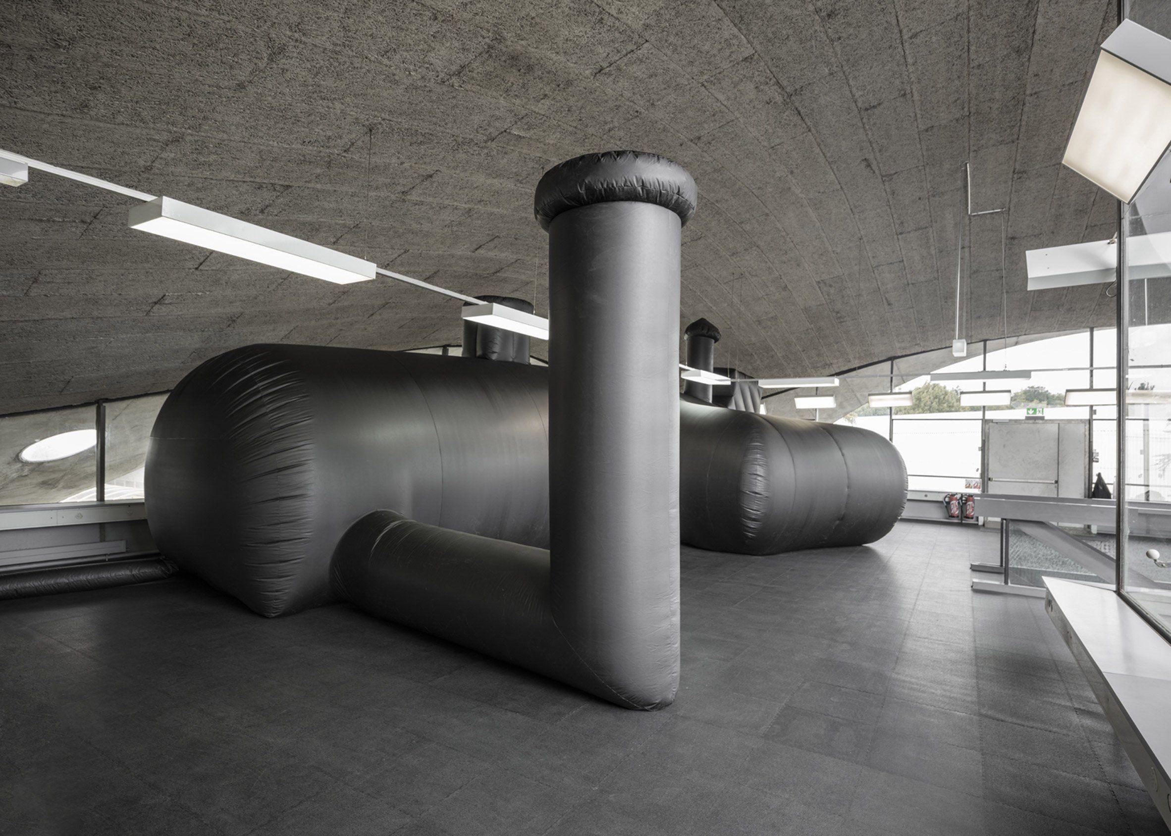 Shelter architecture black inflatable installation pvc bureau