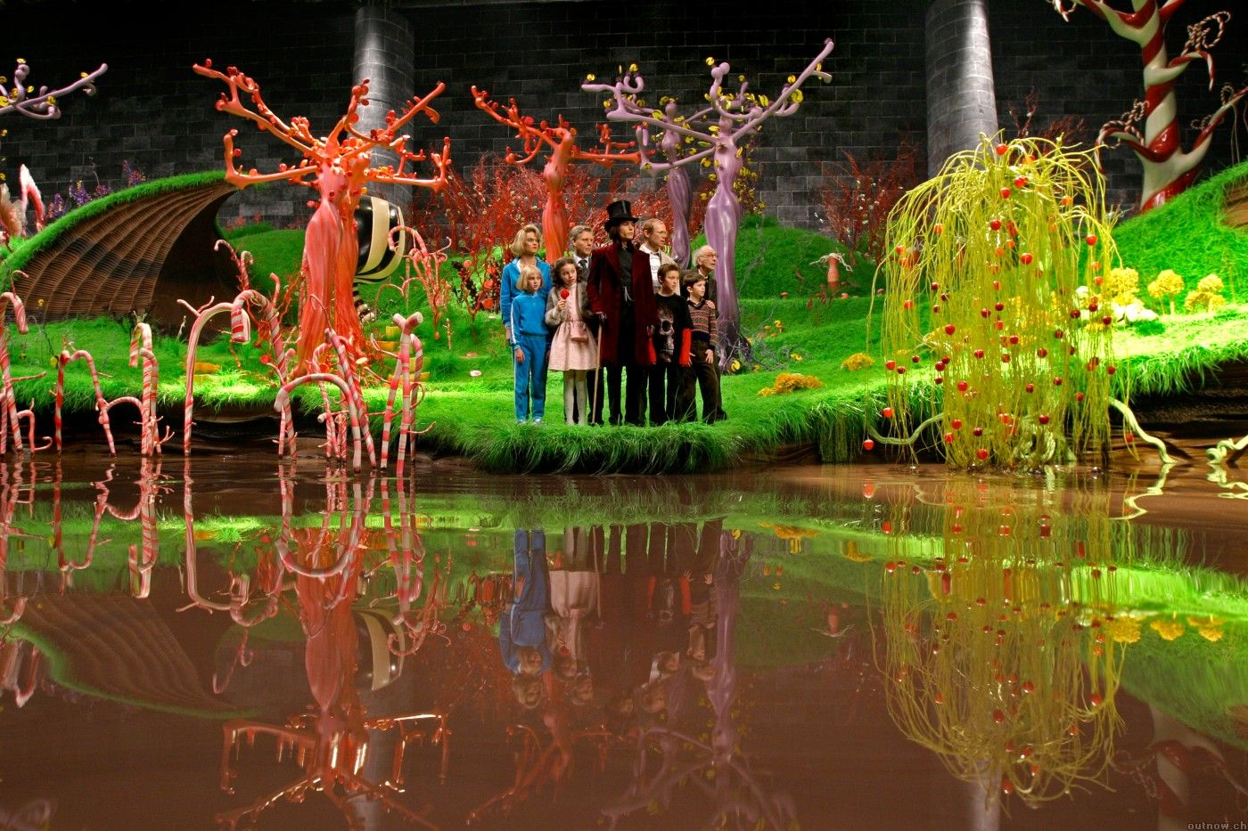17 best images about charlie and the chocolate factory on 17 best images about charlie and the chocolate factory buckets merchandising displays and design firms