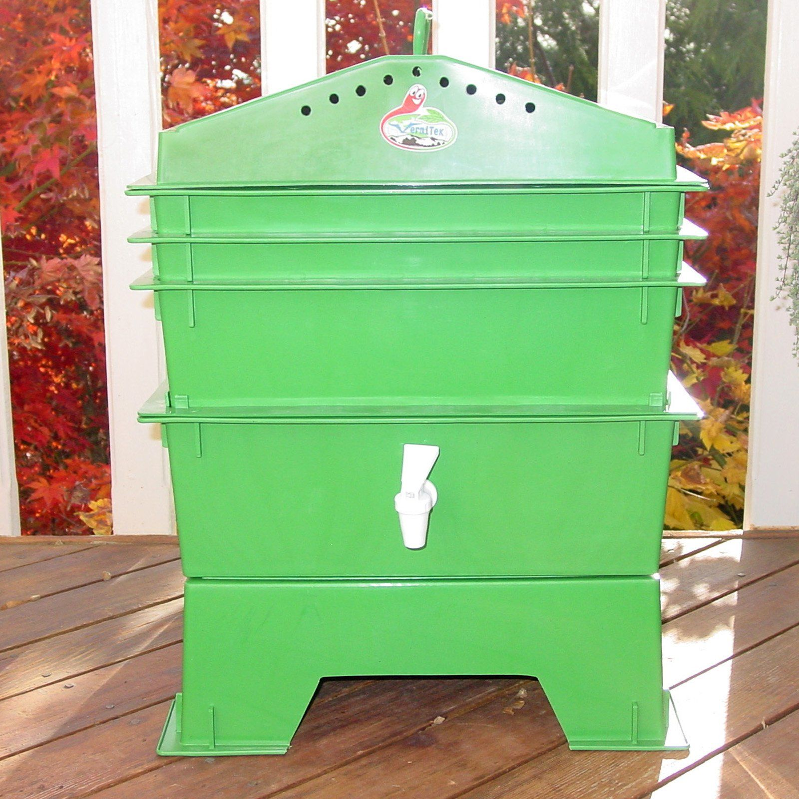 VermiHut 3Tray Recycled Plastic Worm Composter Green