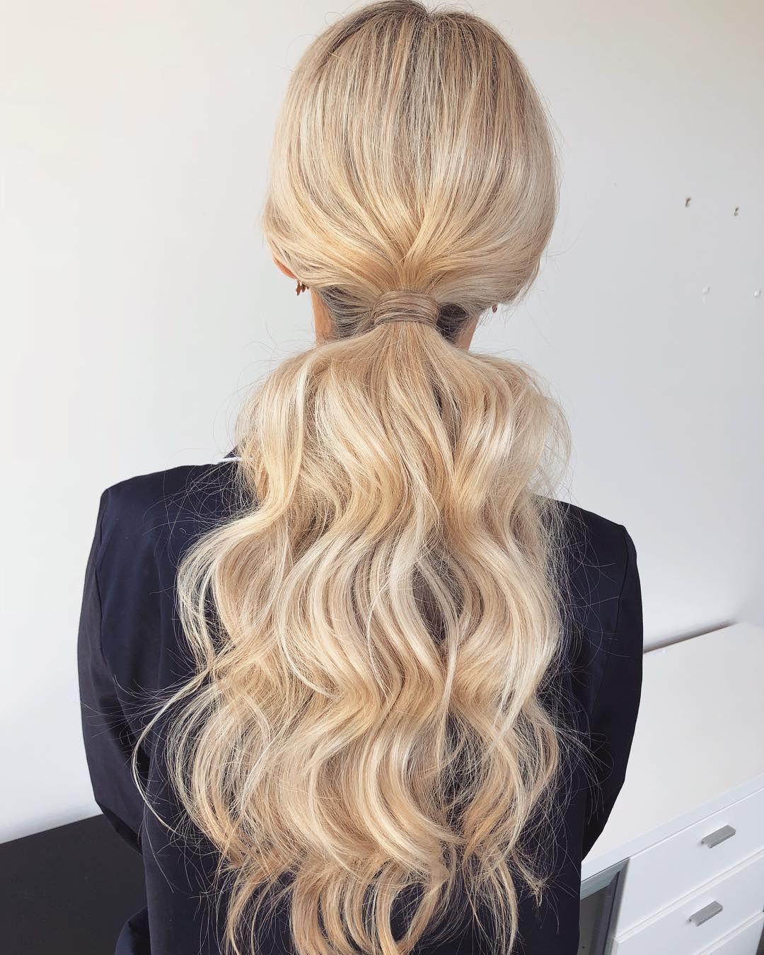 Textured ponytail bridal hairstyle, ponytail hairstyles  #weddinghair #ponytails #wedding #hairstyles #ponytail #weddinghairstyles
