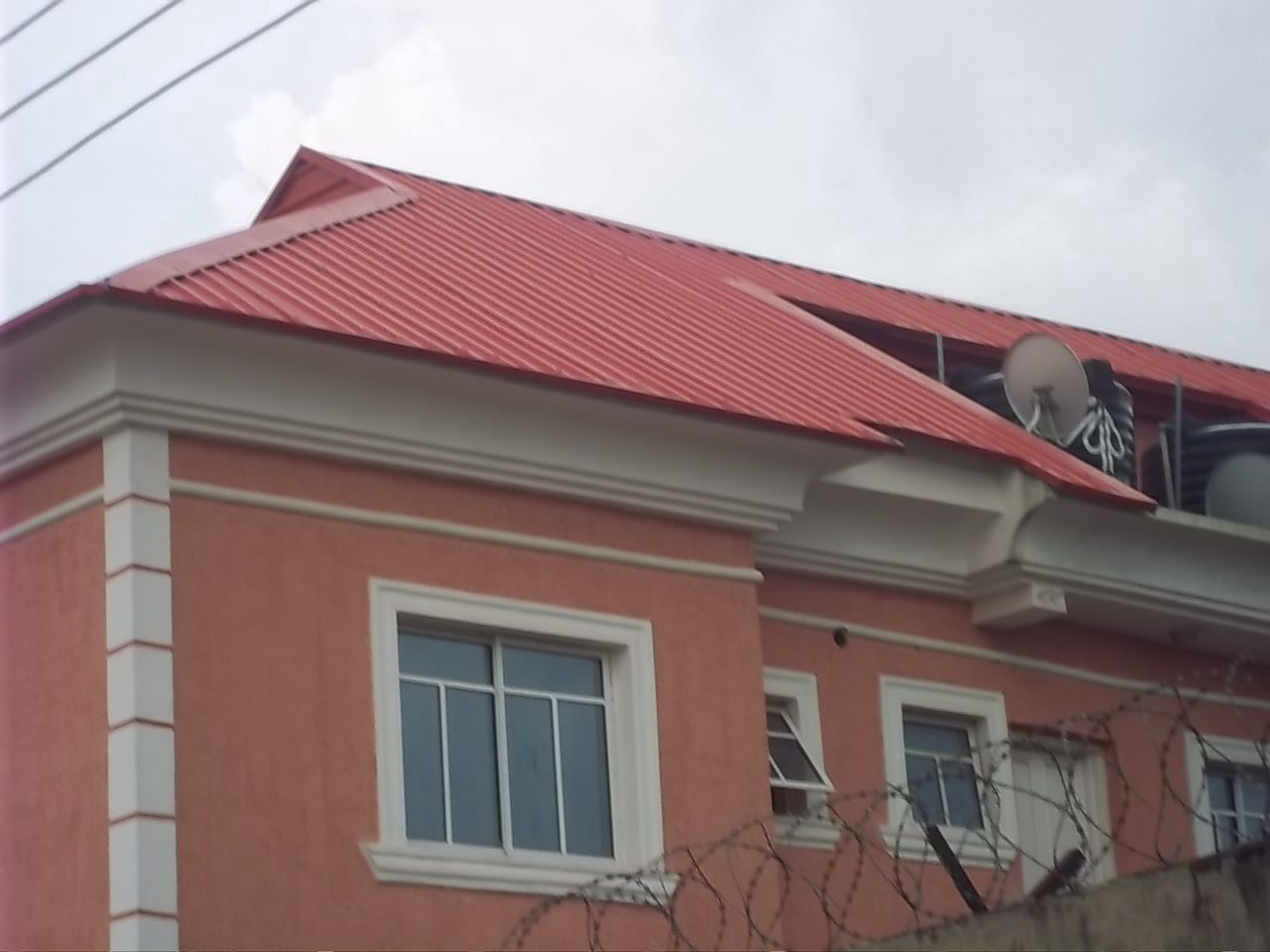 Nigeria Parapet For House And Windows Pop Design Find The Best Images Of Modern House Decor And Architecture Modern House House Decor Modern House Front Design