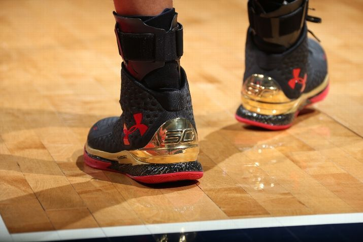 Kicks On Court Steph Curry Wears Chinese New Year Under Armour Curry One Pe Curry One Curry Armour