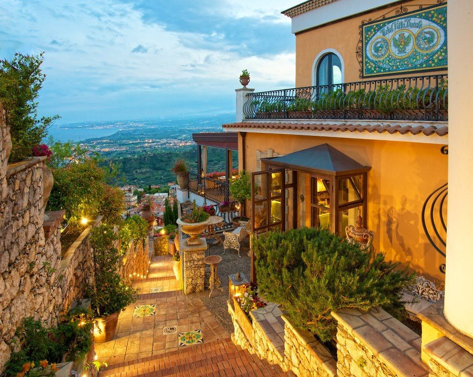 Taormina un giorno italia pinterest italy italia for Boutique hotel taormina
