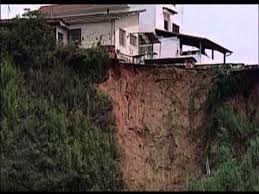 CONSTRUINDO COMUNIDADES RESILIENTES: Entendendo a Gestão de Risco de Desastres
