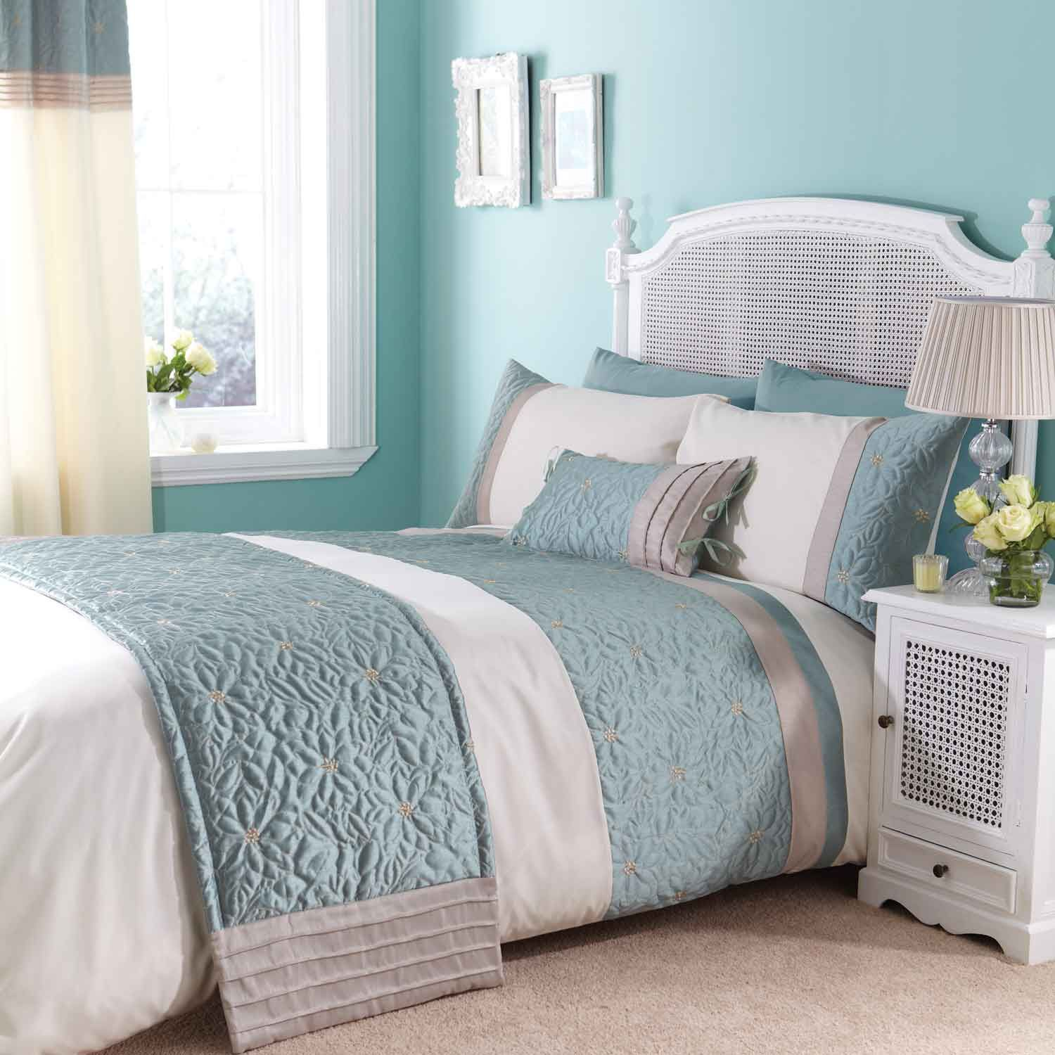 gray and turquoise bedroom | house beautifull living rooms ideas
