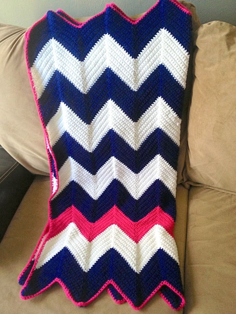 Nautical inspired pink, blue, white chevron baby afghan. | Mantas De ...