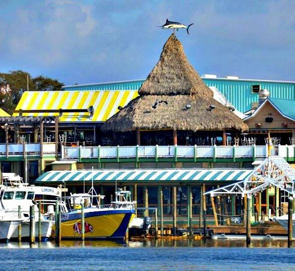 Ajs Seafood And Oyster Bar In Destin Florida Places To Visit In