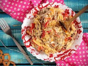 Салат с курицей и перцем