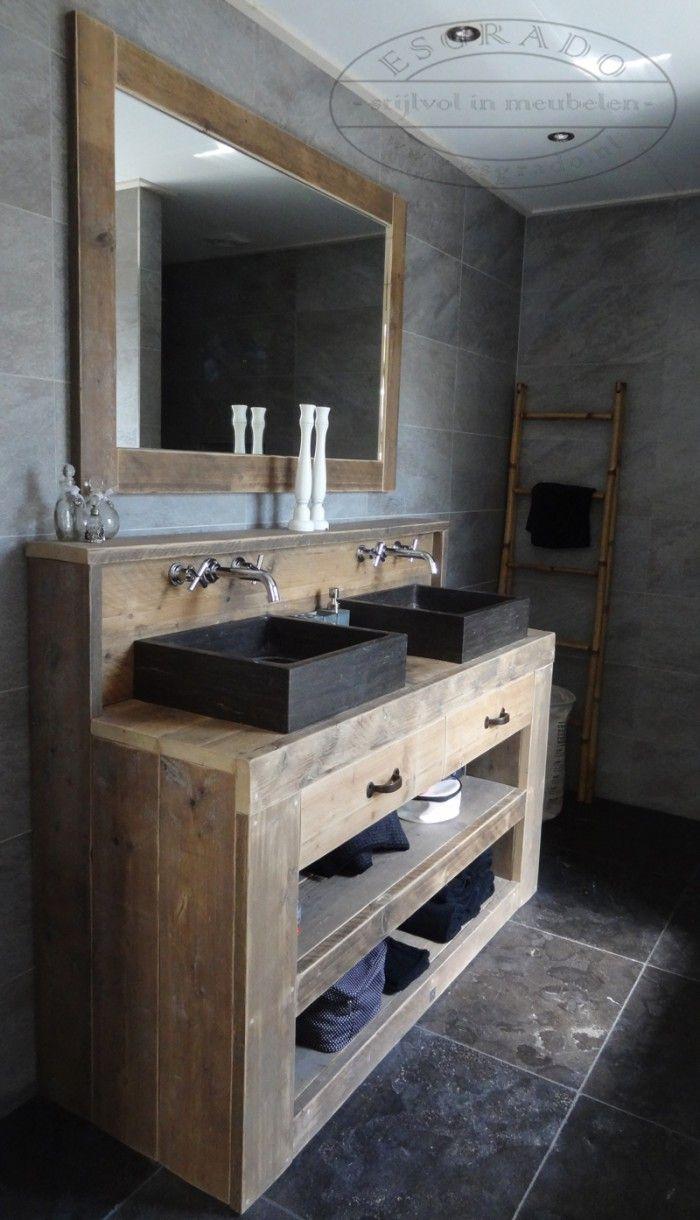 landelijke en sfeervolle badkamer met een steigerhouten. Black Bedroom Furniture Sets. Home Design Ideas