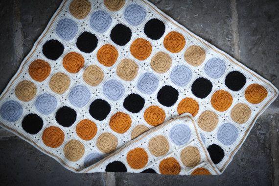 ochre ice black crochet