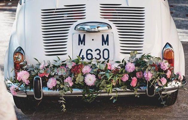 coche nupcial vintage flores