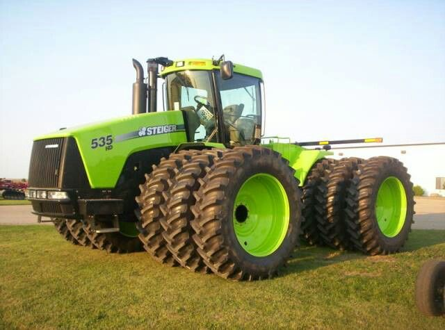 Making These Tractors Lime Green Is Not A Bad Ideas