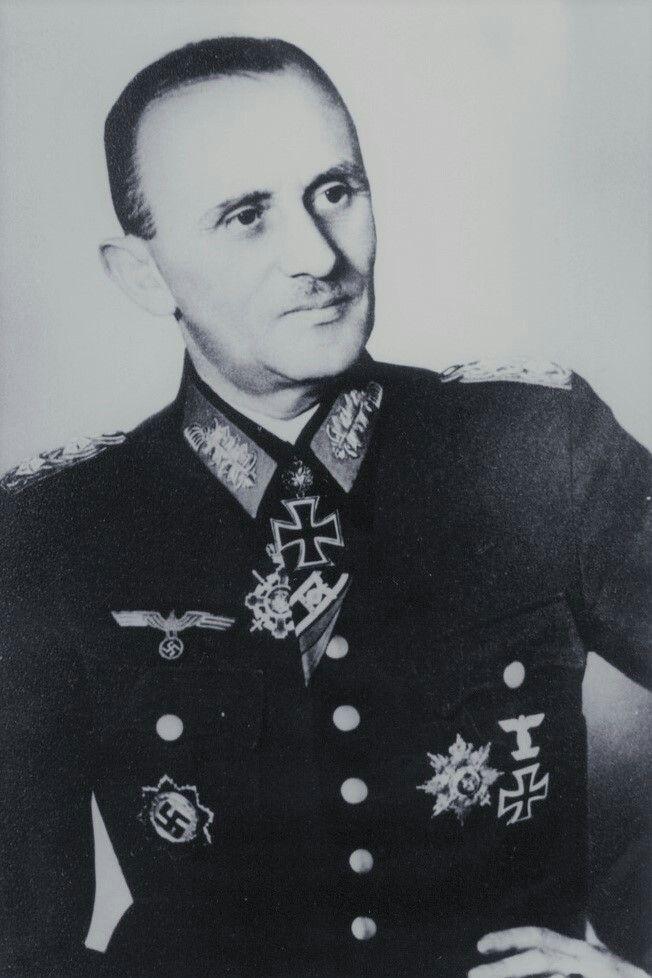 """Generalleutnant Hans Frhr. von Tettau (1888-1956), Führer Korpsgruppe """"von Tettau"""", Ritterkreuz 03.09.1942, Eichenlaub (821) 05.04.1945"""