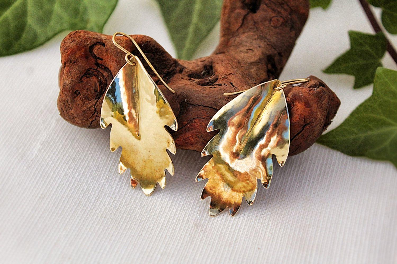 Boho Earrings, Chic medieval Hammered Brass leaf Earring Elf Jewelry Ancient Greek Jewelry Handmade Jewelry Fantasy Earrings Elegant de AshtartJewelry en Etsy
