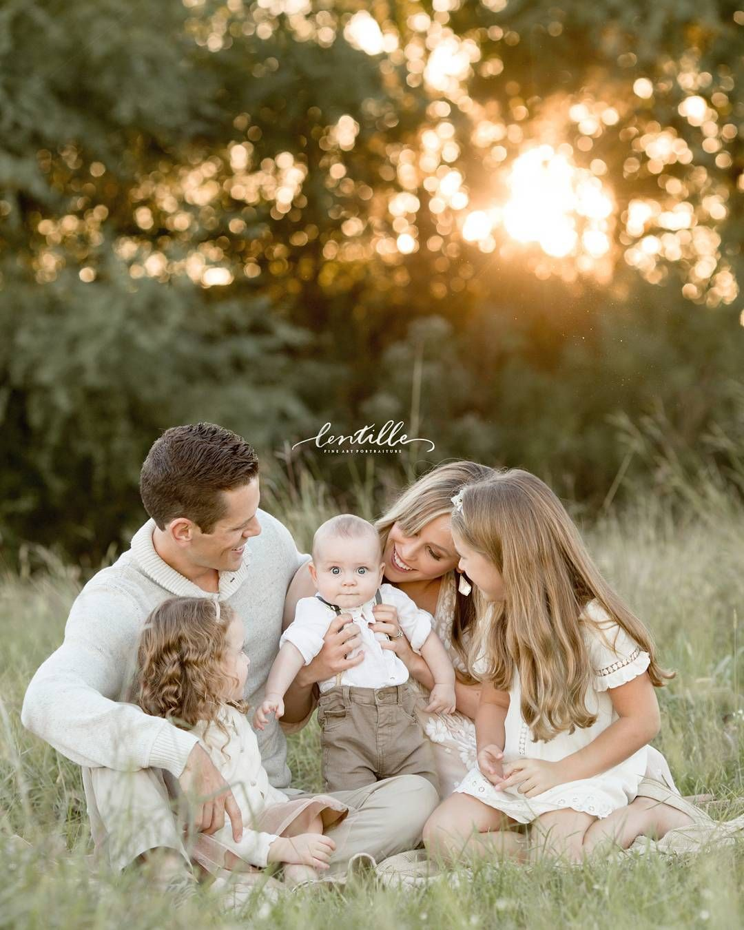Love the colours, sunset... #familyphotooutfits