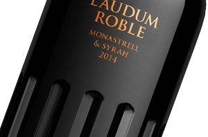 Laudum Roble intenta explotar la latinidad del origen romano de la marca LAUDUM…