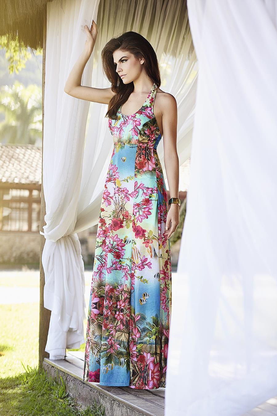 Image from http://profashioneye.com/wp-content/uploads/2014/08/Carmen-Steffens-2015-Summer-Dress-1.jpg.