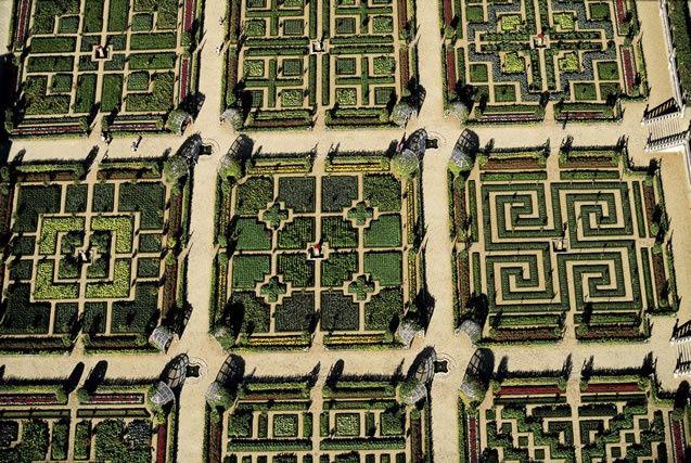 Yann arthus bertrand les jardins du ch teau de villandry indre et loir jardin la - Par vue de jardin ...