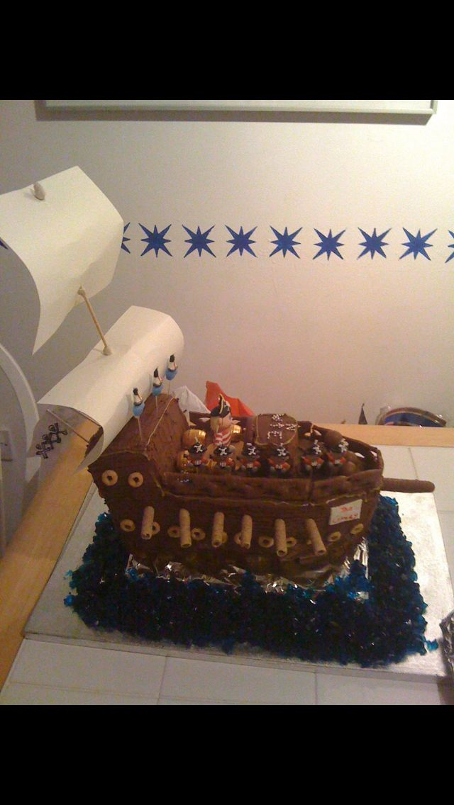 Pirate ship birthday cakes the blue jelly water Pirate party