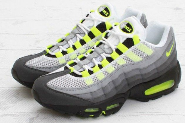 "Nike Air Max 95 OG ""Neon</p>                     </div> 		  <!--bof Product URL --> 										<!--eof Product URL --> 					<!--bof Quantity Discounts table --> 											<!--eof Quantity Discounts table --> 				</div> 				                       			</dd> 						<dt class="