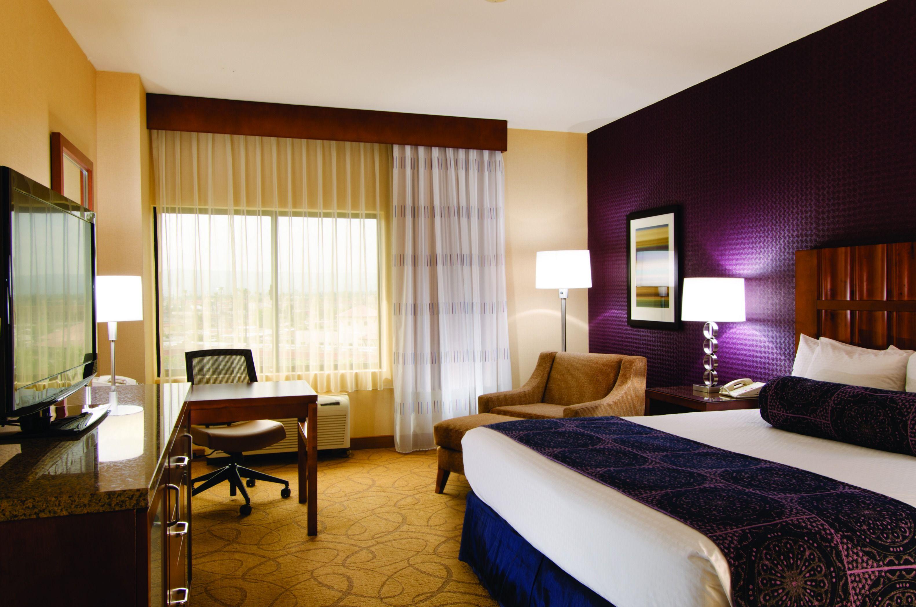 Doubletree By Hilton Hotel Carson Hilton Hotel Hotel Hotels Room