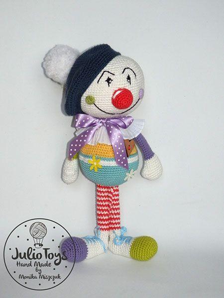 Pierre clown | Amigurumi Circus design contest | entry by Julio Toys