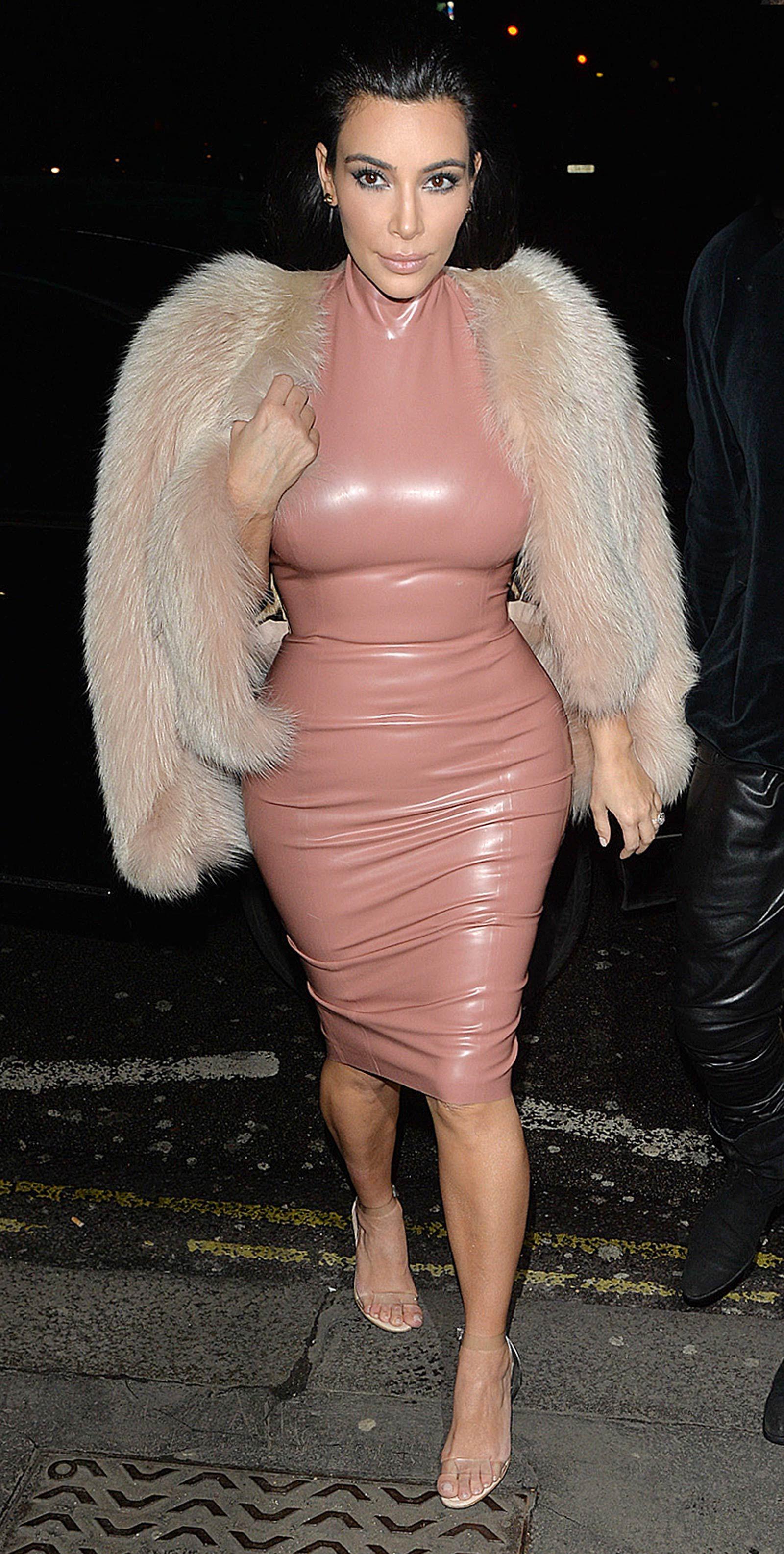 Lujo Vestido De Novia Kim Kardashian A Kanye Patrón - Colección de ...