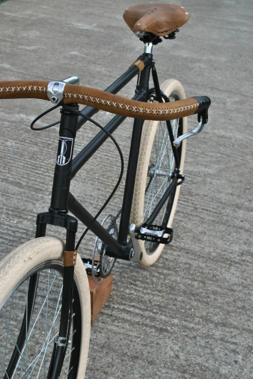 6333cd8030b6e thezainist  Classic bicycle