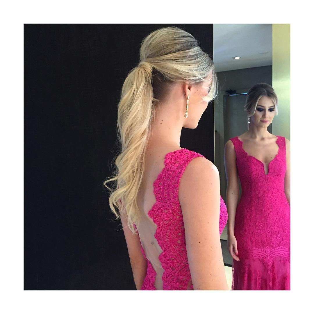 A linda stephanie cabelomoderno rabodecavalo wedding hairstyle