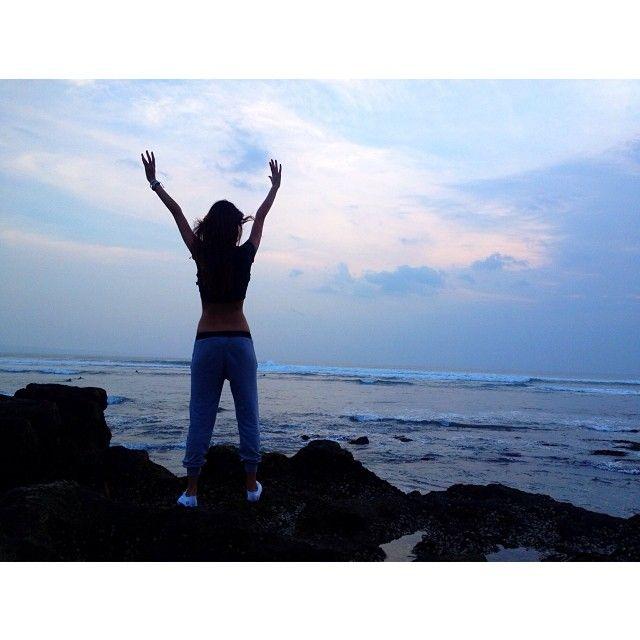 ~ о н а вернётся. #ocean #imhappy #lastday #lastsunset #feb4 #bali #38daysinparadise #Padgram