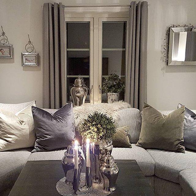 Endelig fått opp nytt speil på veggen fra @crazyimport. Dilla på krukkene dems også🙊 Ha en fin lørdagskveld🙋💖#interior123#inspire_me_home_decor #crazyimport #dream_interiors #roomforinspo #glam#classyinteriors #hem_inspiration #finehjem #shabbyyhomes #interior125#charminghomes #interiorharmoni #the_real_house_of_ig #wonderfulrooms #thestyleluxe #instahome #interiordesign #pretty_home #cozycorner #interiorstyled #passion4interior #decorations