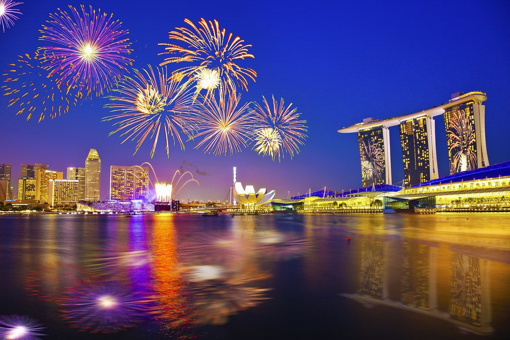 Singapore 2016 New Year Countdown Firework In 2020 New Year Fireworks New Year Pictures Fireworks