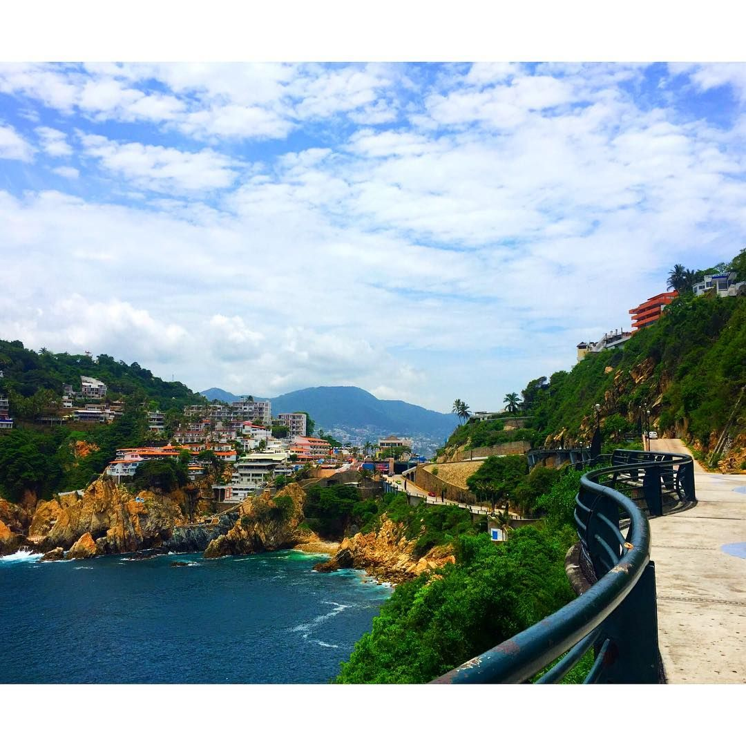 "Acapulco, Guerrero  ThePRADA-G (@_theprada_g) on Instagram: ""Coastin😍 #latergram"""