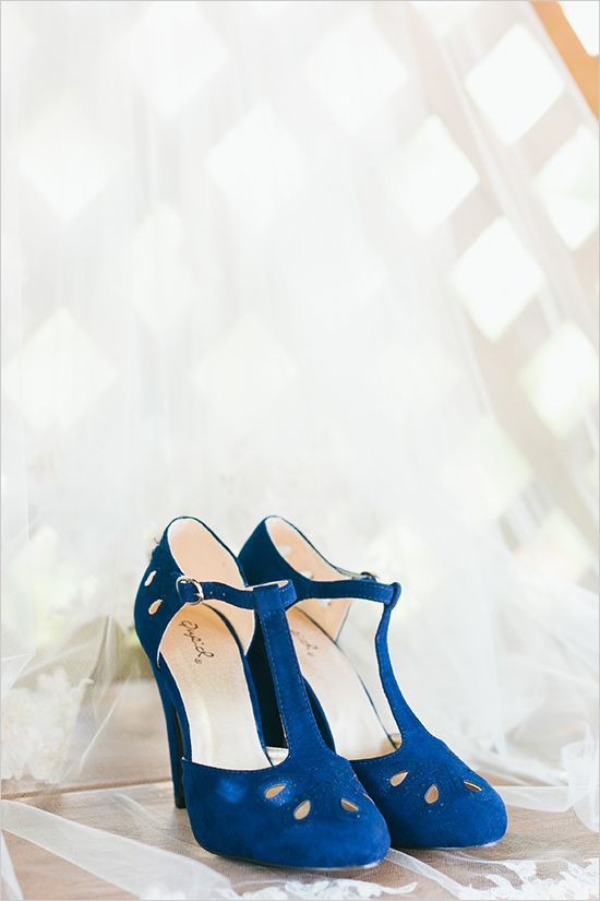 something blue wedding shoes @weddingchicks