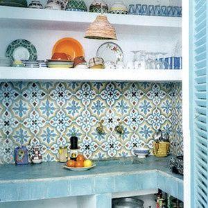 Zementfliesen - SOUTHERN TILES Mediterrane Wand- und Bodenfliesen. Gemauerte Küche ähnliche Projekte und Ideen wie im Bild vorgestellt findest du auch in unserem Magazin