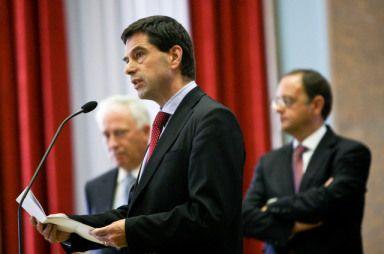 Cortes no Estado empurram país para a pior recessão desde 1949