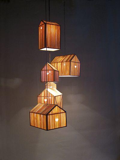 shining barn is de naam die ontwerpster ilona huvenaars meegaf aan deze lichtgewicht lamp